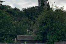 Vue sur la tour de Montlhéry