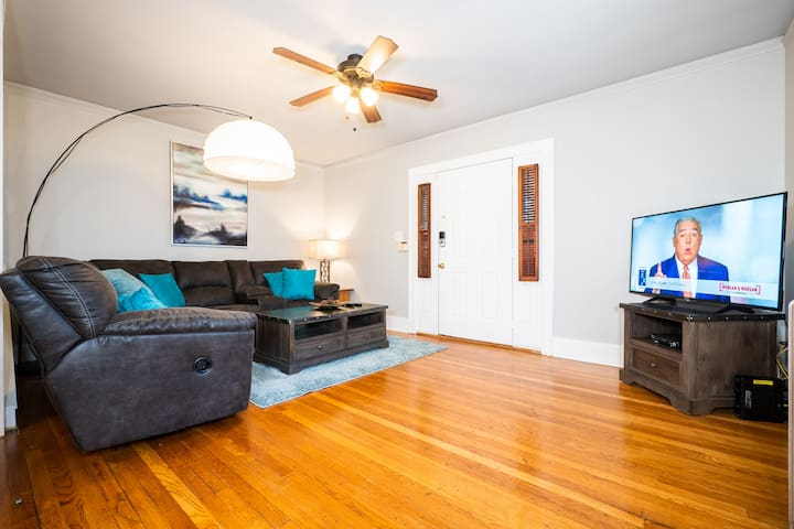 Spacious 3BR 2BR, Midtown Finest, Mins to everythg