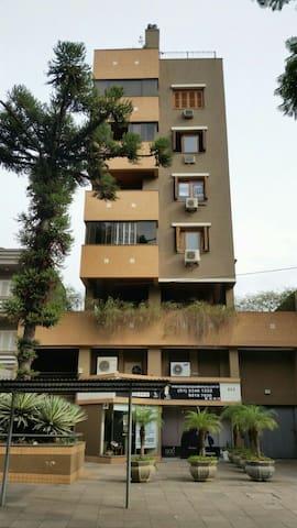 Exelente localização - Porto Alegre - Apartamento