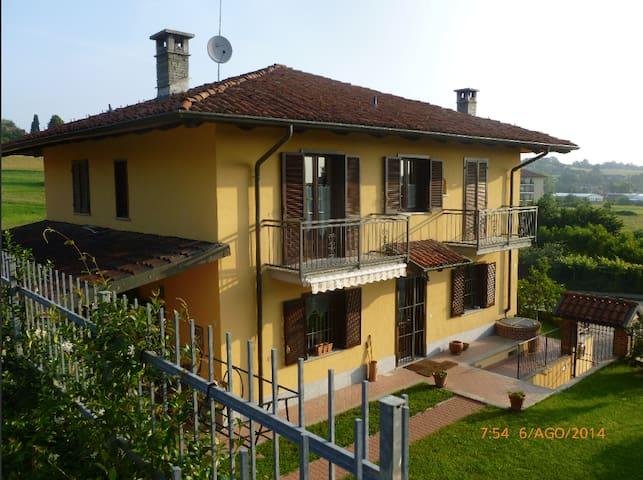 Casa delle colline del Freisa // room 1