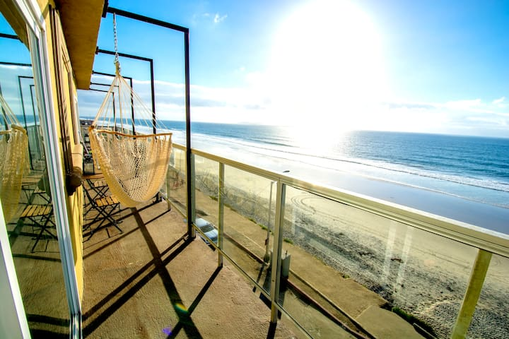BEACHFRONT CONDO - 2 Bdr 2 Bth