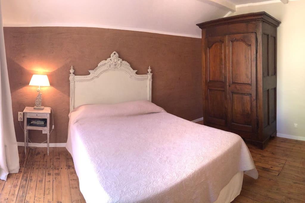 Villa leona agriturismo provence bed breakfasts te huur in boll ne provence alpes c te d - Redone slaapkamer ...