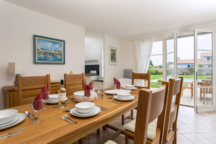 Prepare meals in the full kitchenette and enjoy them at the dining table.