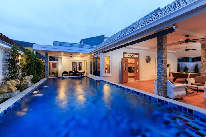 ★Gala Villa 5 Bed /w Swimming Pool, Sauna, Snooker