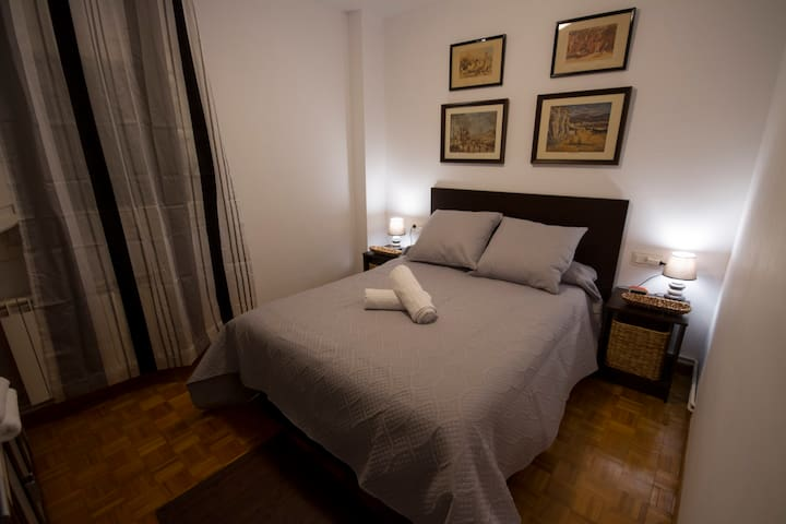 Beautiful room in the heart of Pamplona. - Pampeluna - Apartament