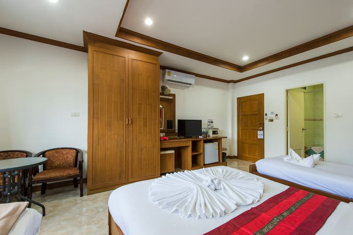 D # Room for 4 adults # wide and convenient