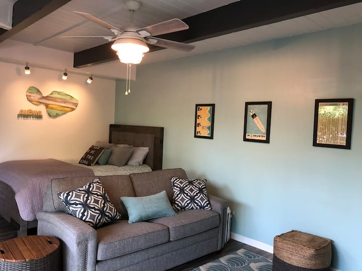 Remodeled studio by the beach - Taxes included
