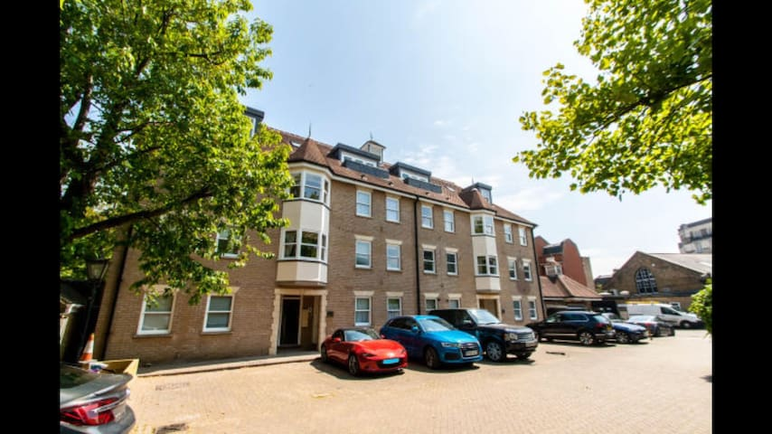 19 Cathedral Walk - Chelmsford Penthouse Apartment