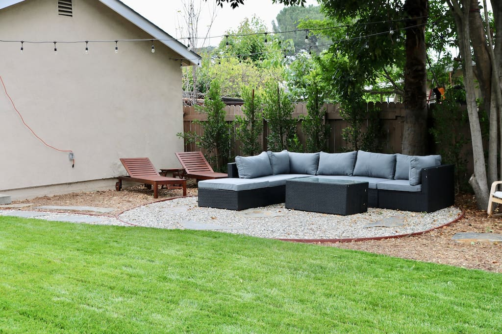 Backyard Entertainment Area/ Outdoor lights, Extra Lounge Seating