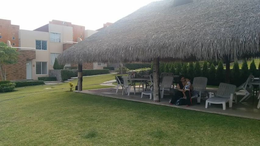 casa para descansar en Xochitepec con alberca