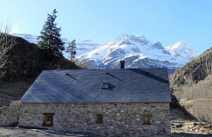 Grange 10 pers. entièrement rénovée à Gavarnie - Luz-Saint-Sauveur - Huis