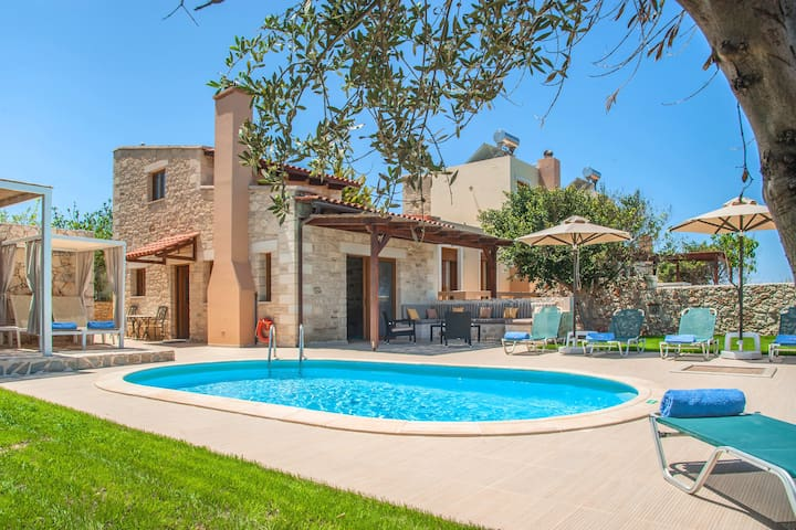 Cosy villa with Private pool & Seaview ! N