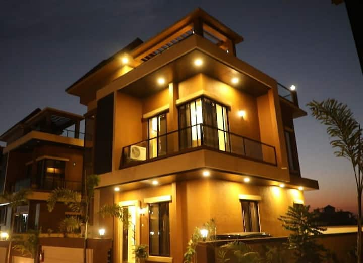 flamingo 4bhk Private  villa with swimming pool