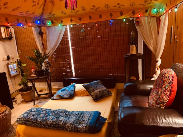 Cozy homestay in south Delhi