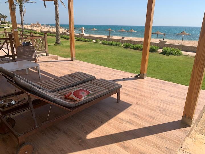 ڤيلا عالبحر مباشرة StellaDM SeaView seafront villa