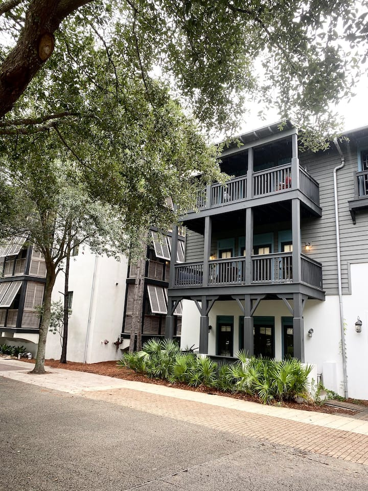 "Rosemary Beach. 2bd/2bath Flat. ""Vitamin Sea"""