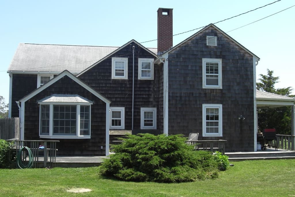 The house from the west, kitchen on left, Guest suite on right