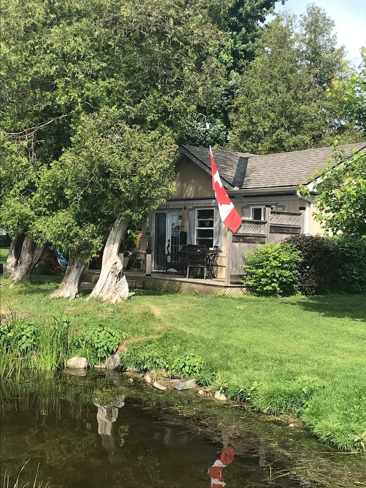 Cottage on the Rideau Canal