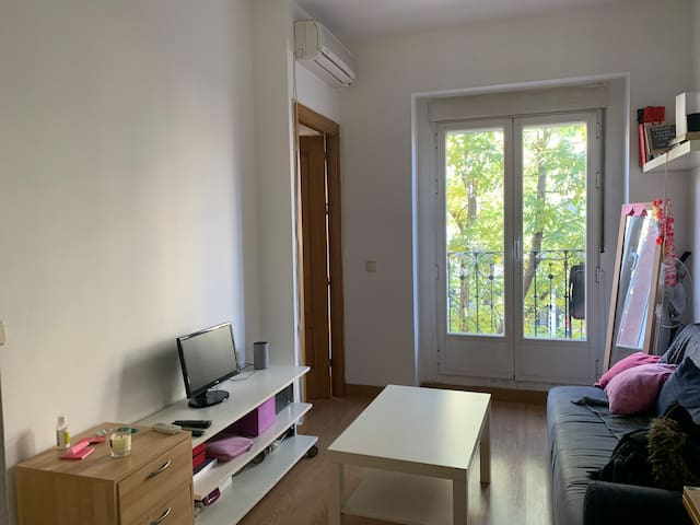 Cute small apartment in Madrid