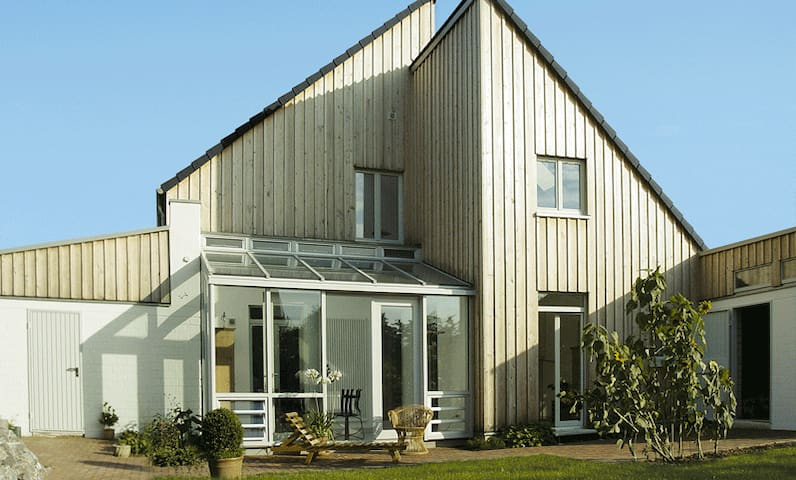 Ruhige Doppelhaushälfte mit Garten - Kalkar - Apartament