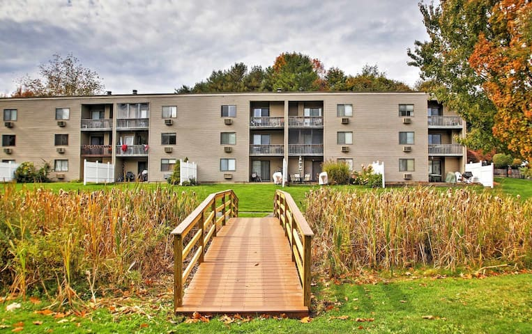Beautiful 2BR Weirs Beach condo with Lake views