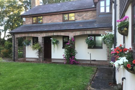 Quite Rural Self Contained Annexe - Cheshire East - Apartamento