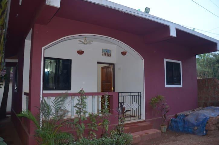 Дом с 1-ой спальней у пляжа Мандрем - Mandrem - House