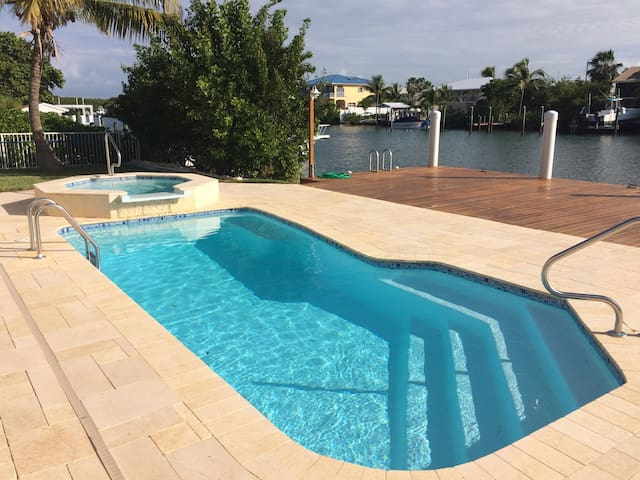 4BR 3B, Heated Pool & Spa, 60' Dock - Marathon - Casa