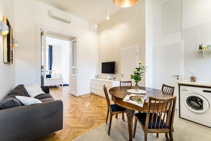 stylish apartment | sights  by walk| jewish dist