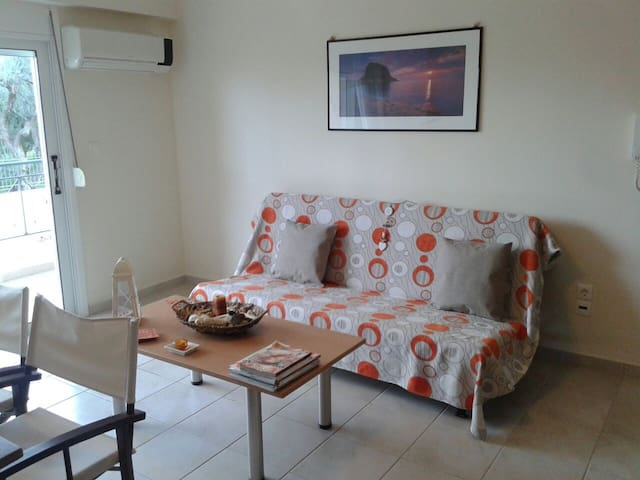 Farao apartment by the sea at Ligia,Korinthias - Ξυλόκαστρο,Λυγιά - Apartment