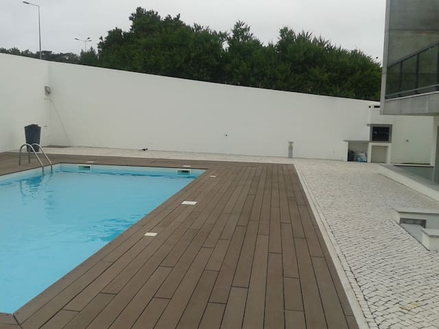 Flat with swimming pool from 200 m to the beach - Leiria - Apartment