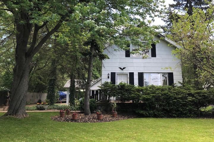 Residential home near UB & Daemen! (room 2 of 3).