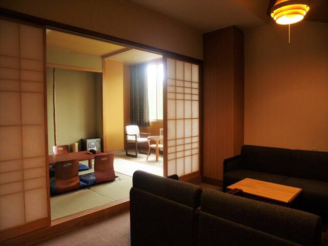 Family Room – 100% Natural Outdoor Onsen