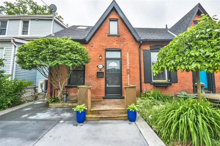 *NEW* Bright Ontario Cottage Locke Street Area