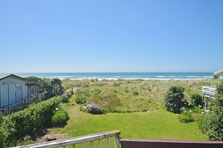 Kiwiana Beach front, Riversdale Beach -