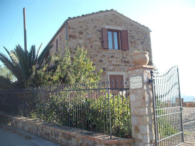 Casa vacanze a Gangi( Camporotondo Gangivecchio )