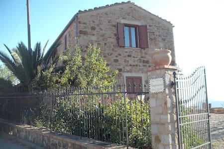 Casa vacanze a Gangi( Camporotondo Gangivecchio ) - Gangi