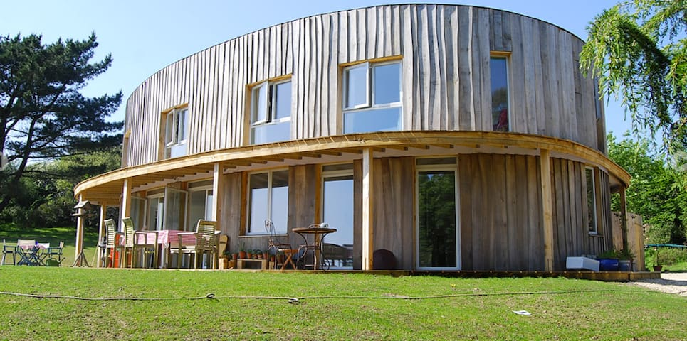 Stunning Round House with Sea Views - Dorset - Hus