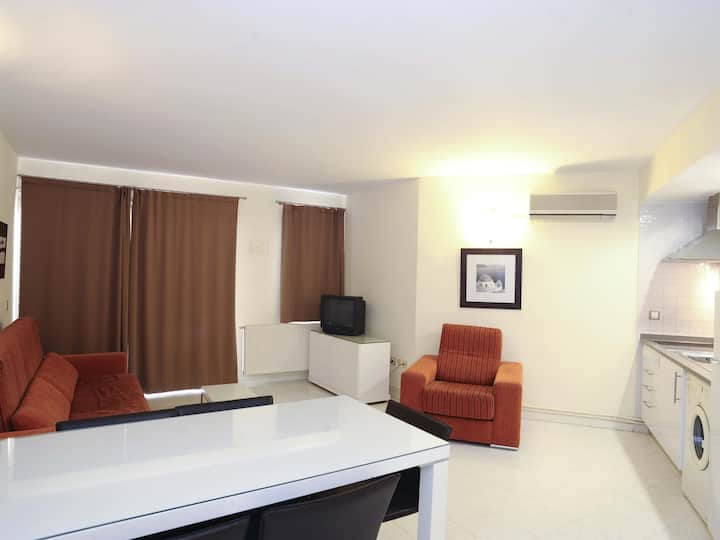 Beautiful two bedroom appartment with comunitary swiming-pool