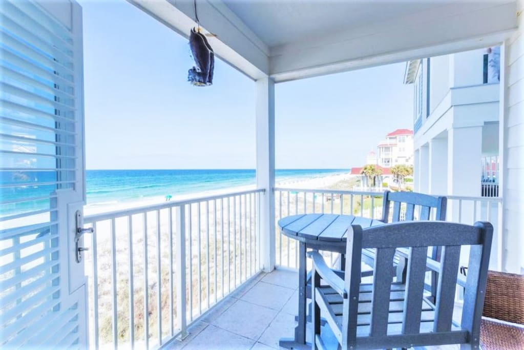 22 Port Court Offers Amazing Beach Views
