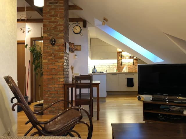 Cozy and spacious 3 bedroom apartment