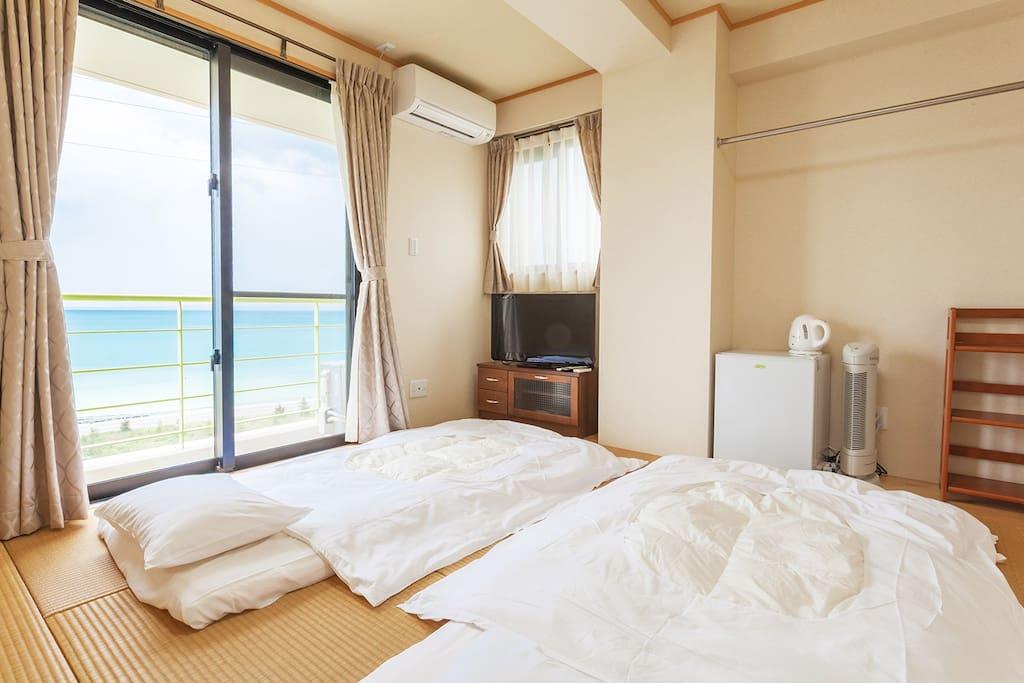 Futon 畳に和室布団の日本式スタイル