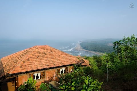 Jaswanti - pet friendly cottage with 270° sea view