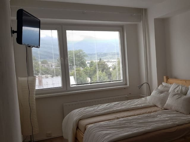 Great flat near City Center with view on Mountains