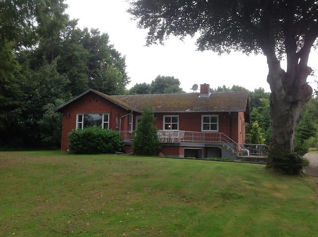 Hus i Gatten - Farsø - Ev
