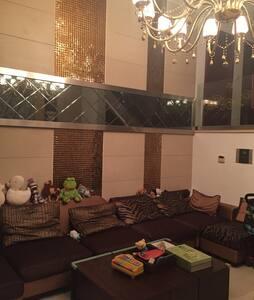 三层别墅 两个套间出租 奢华圆床 圆形浴缸 自带停车位 - 扬州市