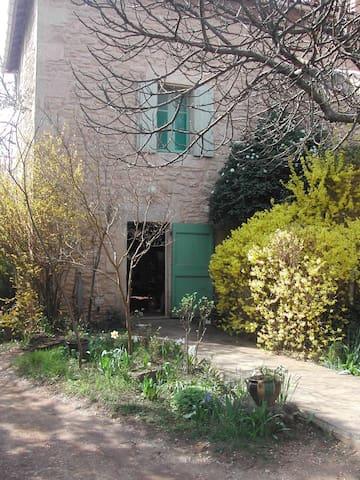 La maison des Glycines - Vers-Pont-du-Gard - Dom