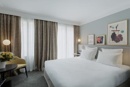 10min from Champs-Elysées ❤️ XO Hotel****