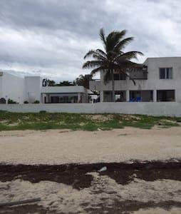 Residencia en la playa de Chicxulub - Merida - Huis
