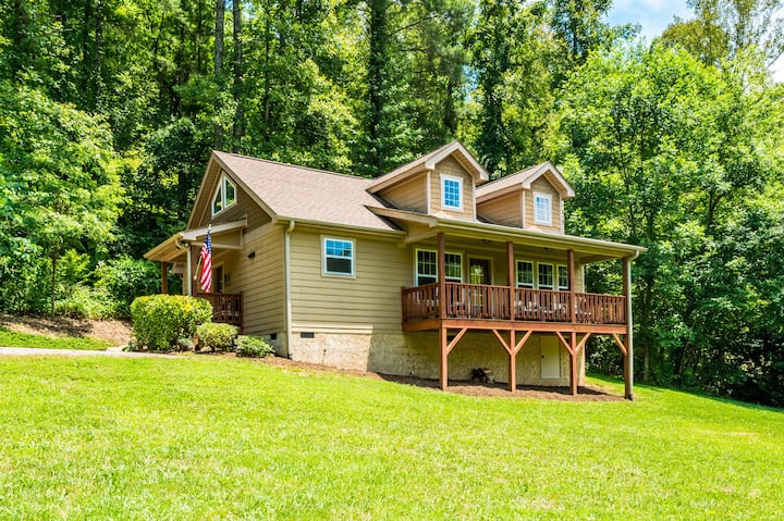 Updated Cottage w/ Deck – Big Parcel with Views!